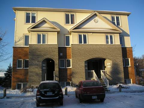 Vanier Townhouse for rent, click for more details...
