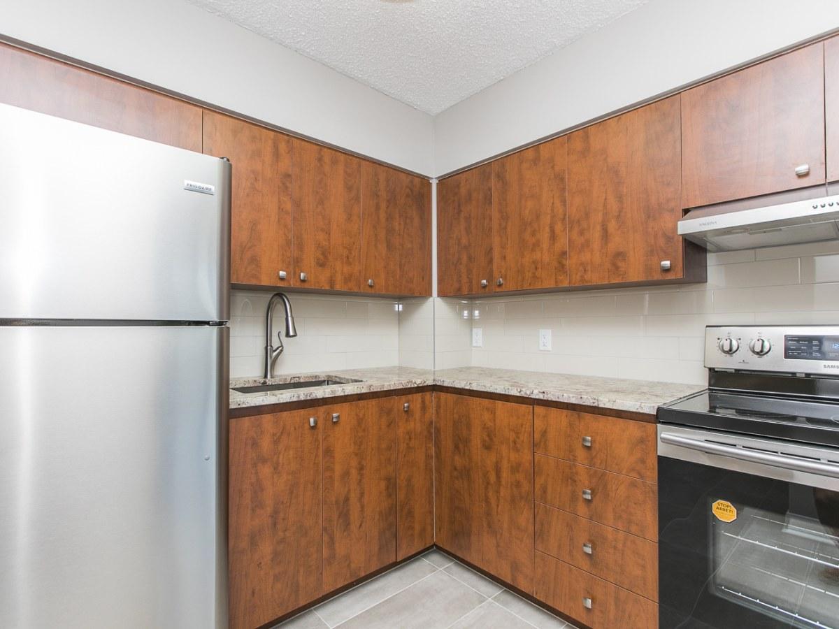 Vanier Condominium for rent, click for more details...