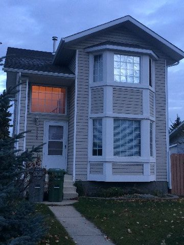 Ponoka 3 bedroom House