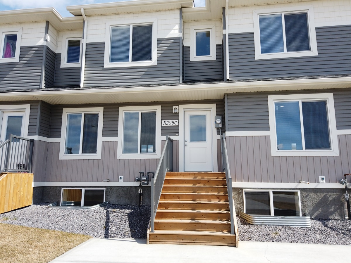 Clairmont Alberta Townhouse For Rent