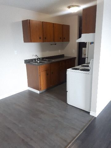 Devon Apartment for rent, click for more details...