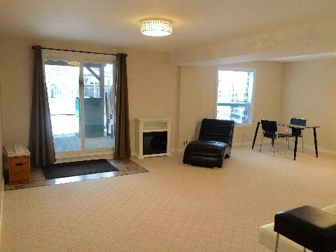 Lindsay 1 bedroom Apartment