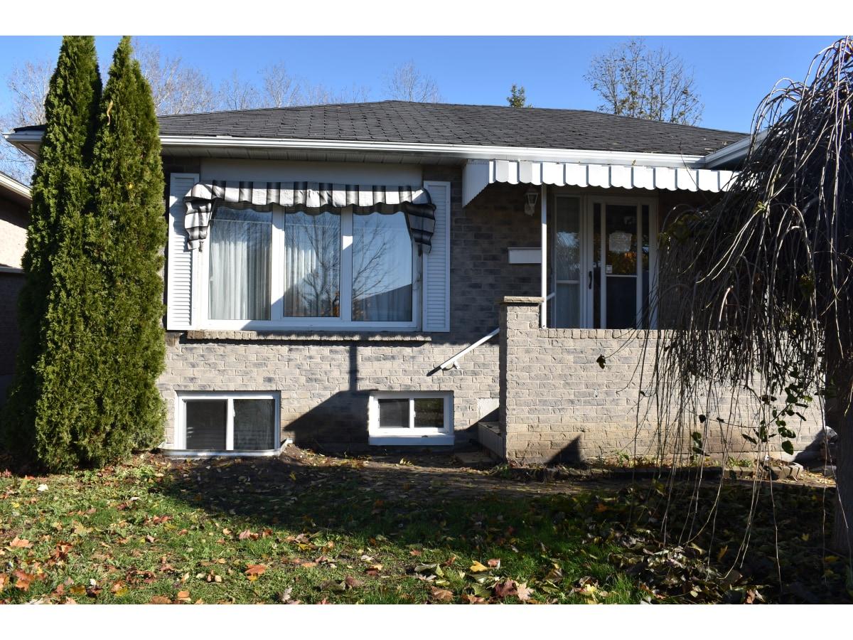 Whitby Duplex pour le loyer, cliquer pour plus de détails...