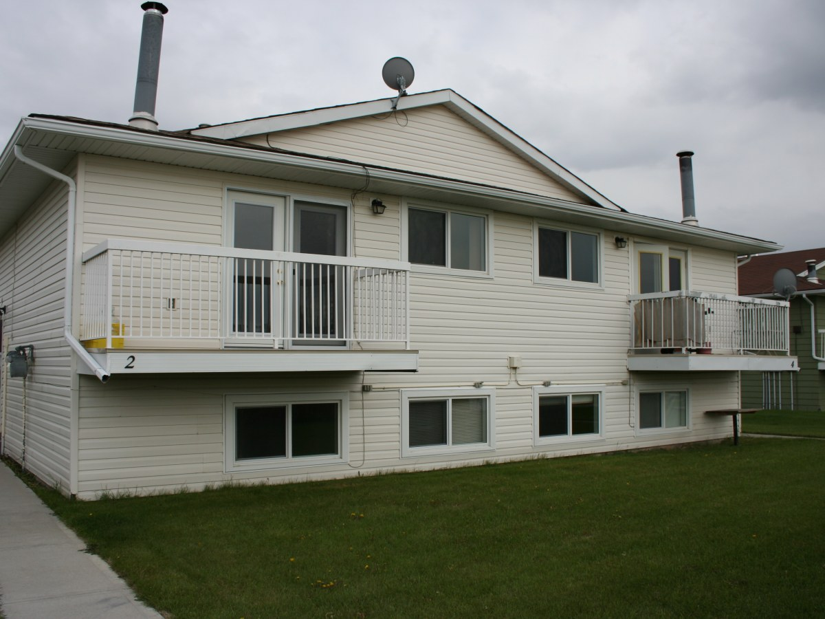 Olds Four-Plex for rent, click for more details...