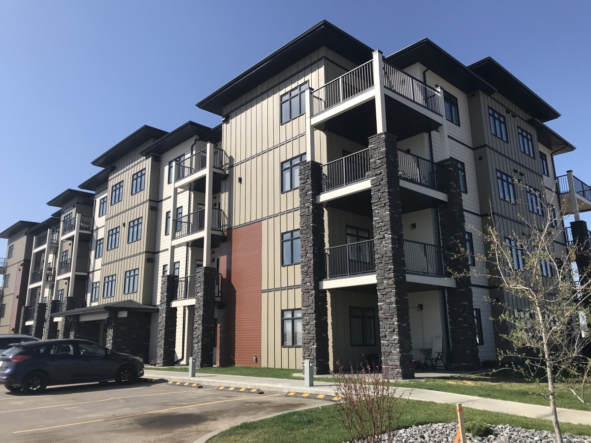 Lacombe Alberta Apartment For Rent