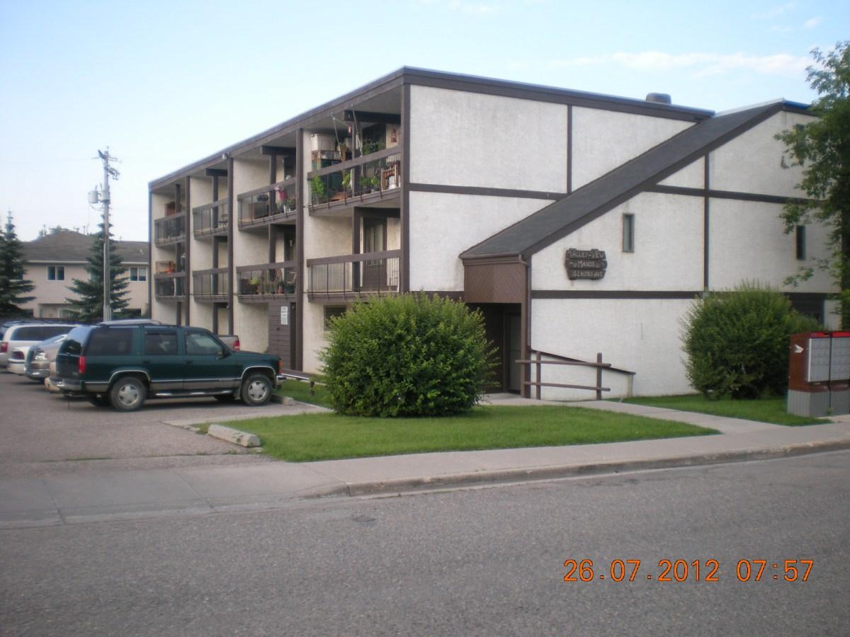 Cochrane Bachelor Suite for rent, click for more details...