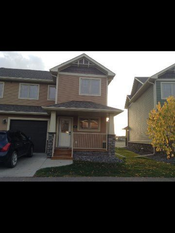 Sylvan Lake 3 bedroom Townhouse