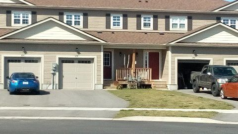 Bracebridge Townhouse for rent, click for more details...