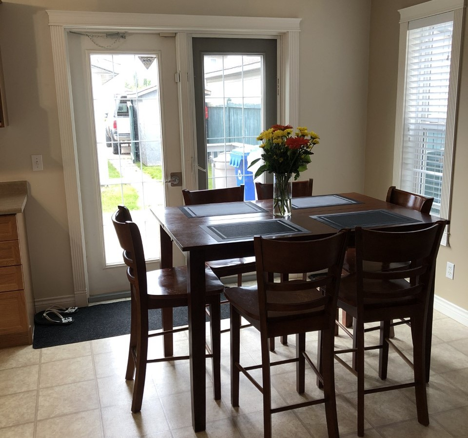 Fort McMurray Room for rent, click for more details...