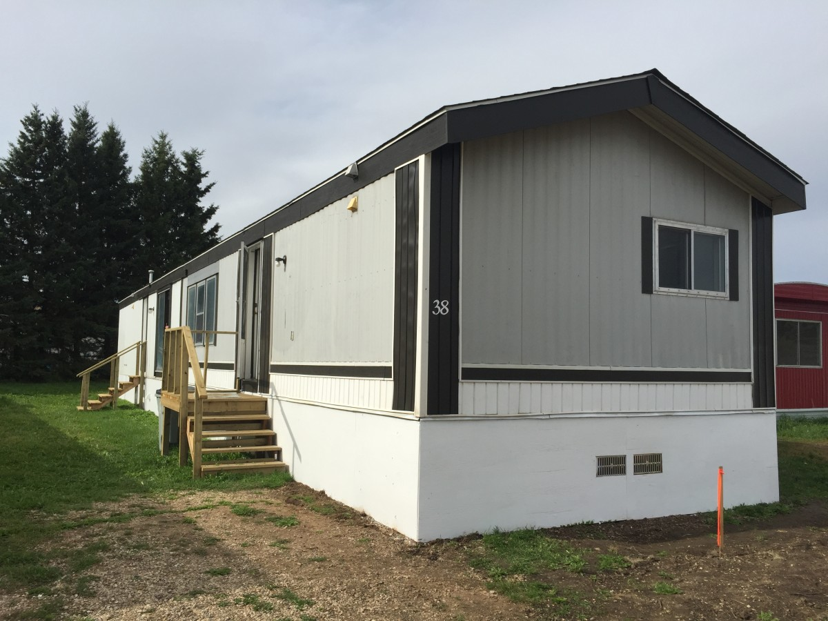 High Prairie Manufactured Home for rent, click for more details...