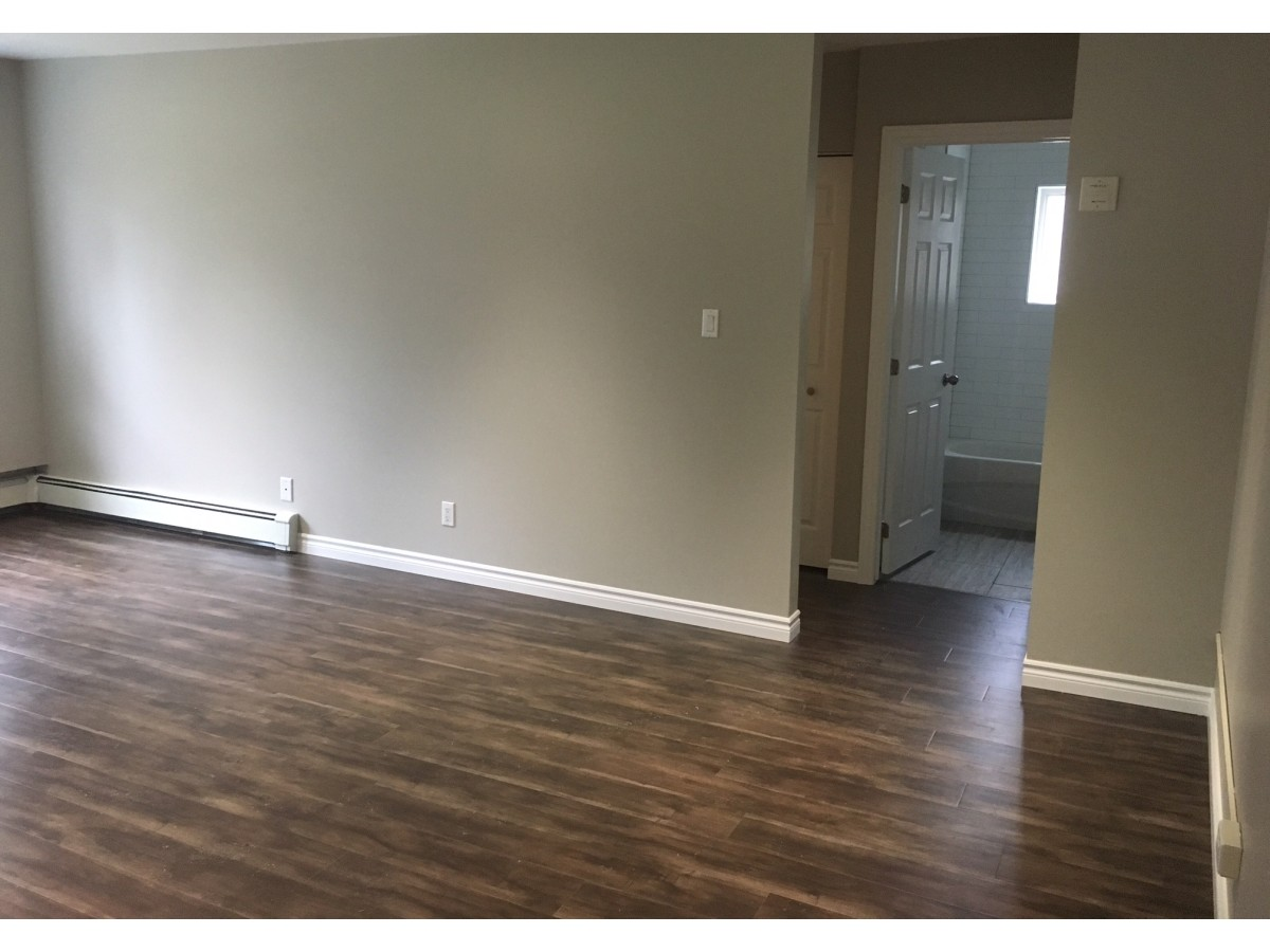 Woodstock Apartment for rent, click for more details...