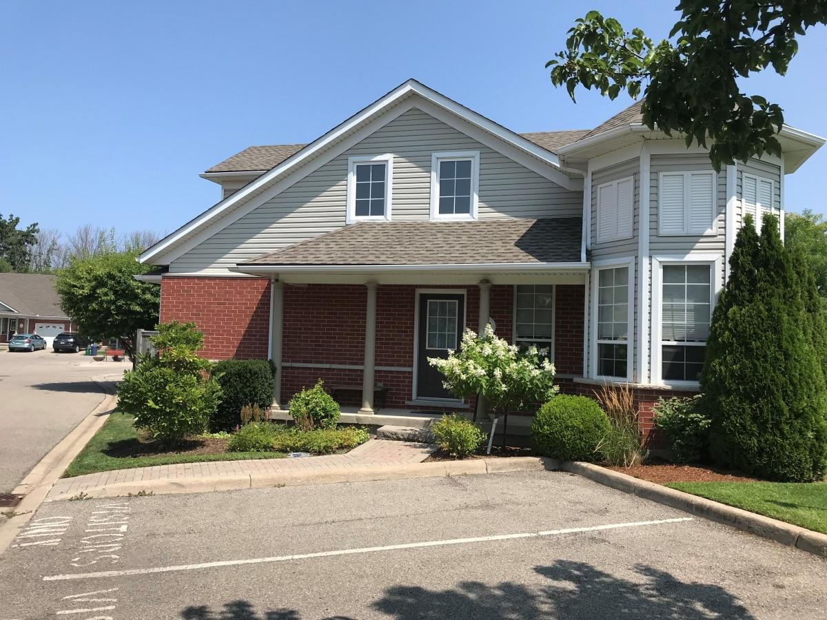 Virgil Condominium for rent, click for more details...