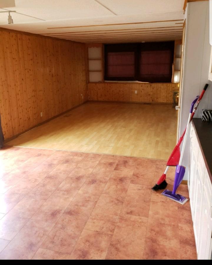 Beaverlodge Grande caravane/Lot pour le loyer, cliquer pour plus de détails...