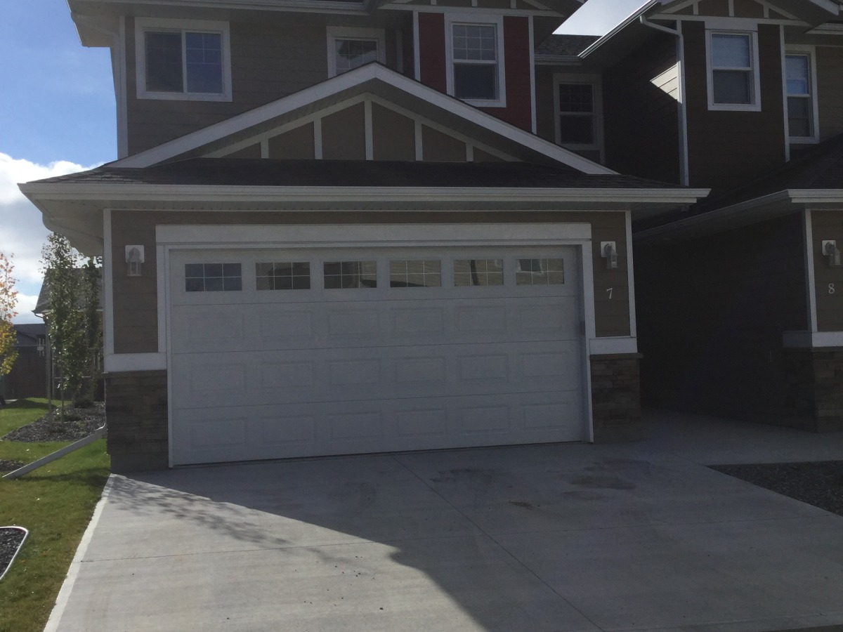 Rocky Mountain House Condominium for rent, click for more details...