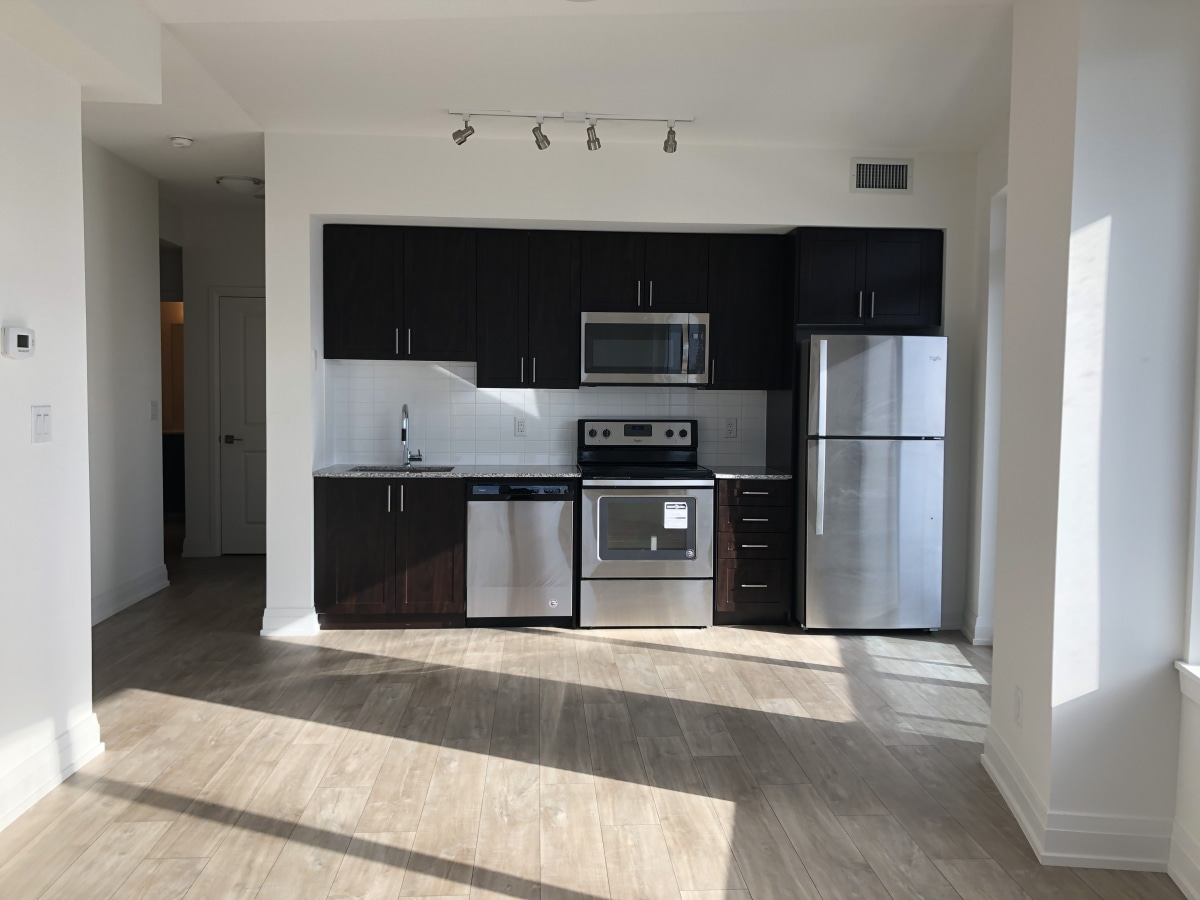 Vaughan Condominium for rent, click for more details...