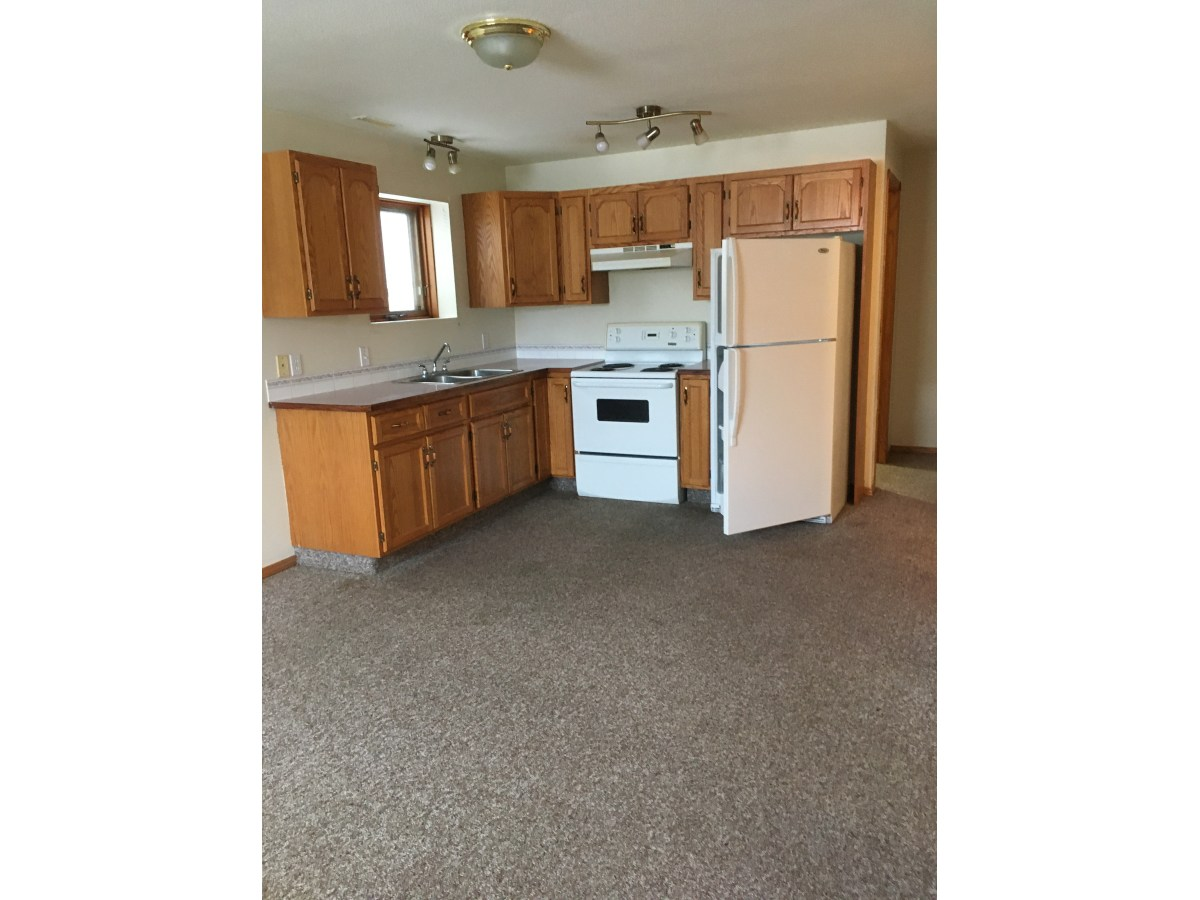 Sylvan Lake Suite for rent, click for more details...