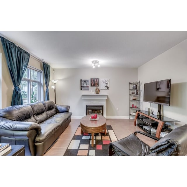 Burnaby Townhouse for rent, click for more details...