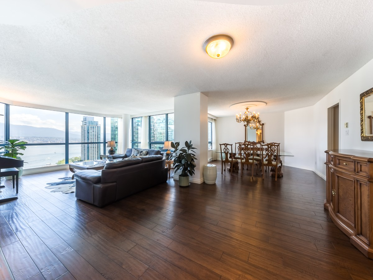 Coal Harbour Apartment for rent, click for more details...