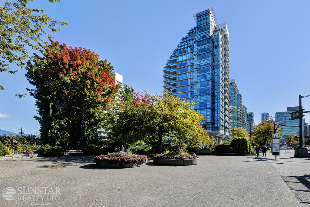 Coal Harbour Condominium for rent, click for more details...