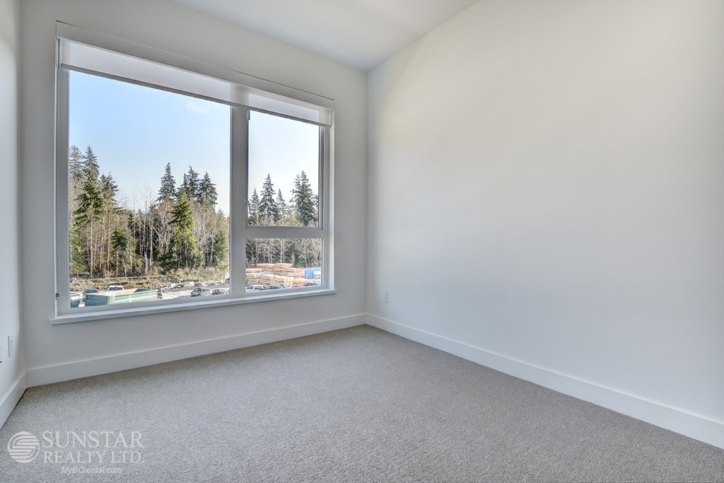 North Vancouver Townhouse for rent, click for more details...