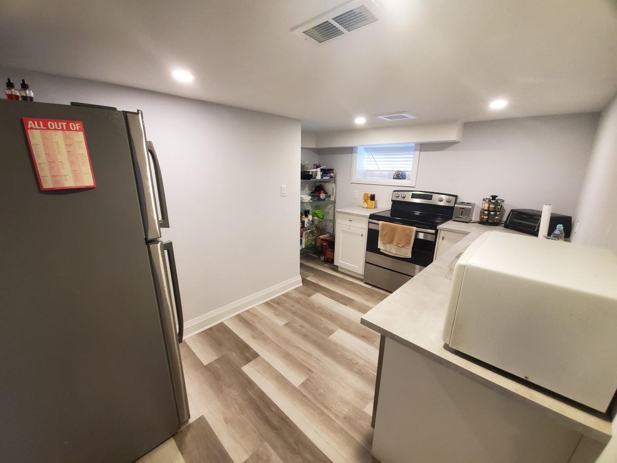 Hamilton Duplex for rent, click for more details...