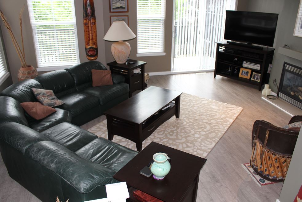 Port Moody Condominium for rent, click for more details...
