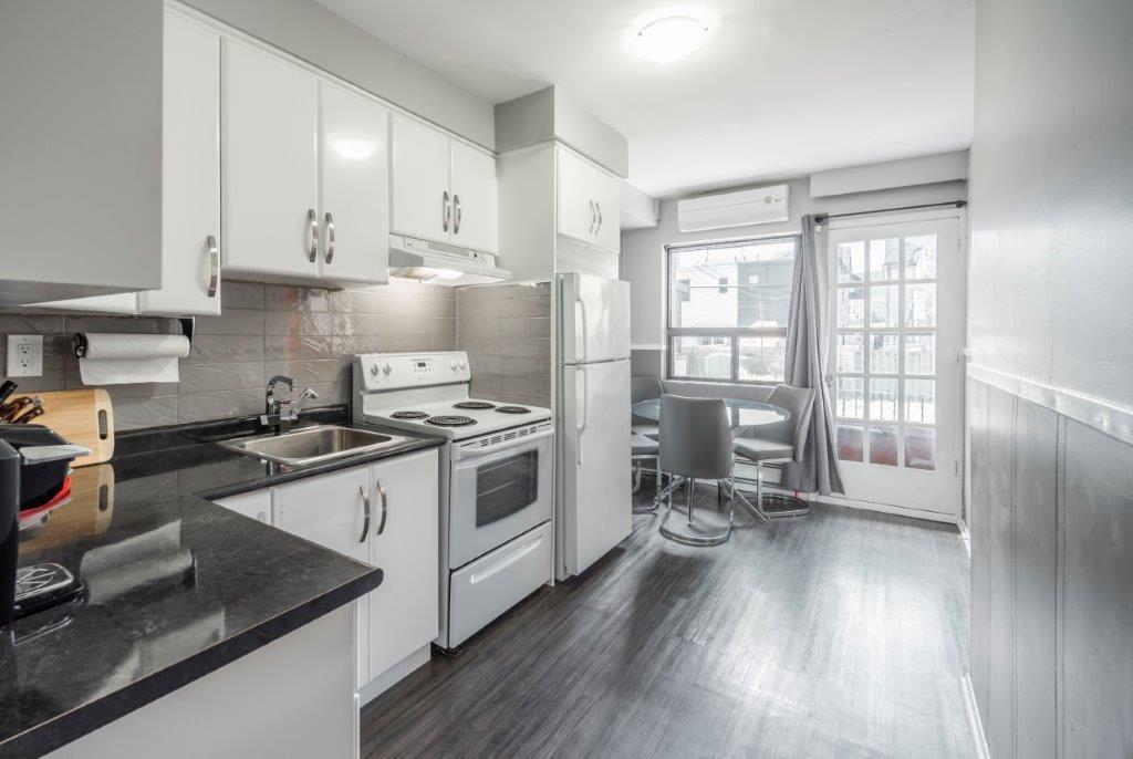 East York Condominium pour le loyer, cliquer pour plus de détails...