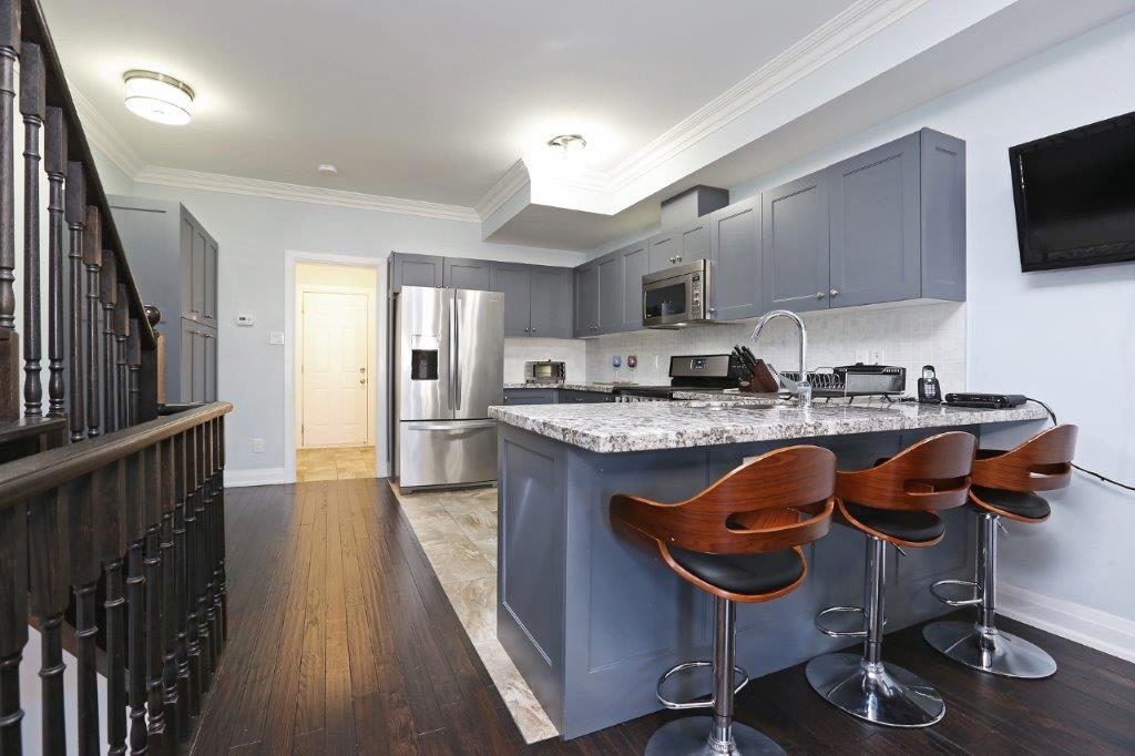 East York Maison urbaine pour le loyer, cliquer pour plus de détails...