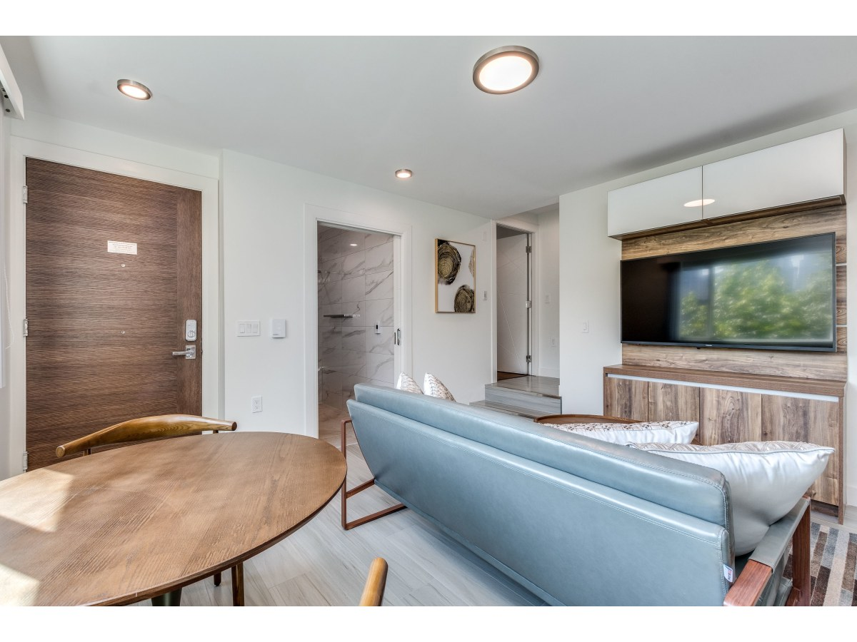 Vancouver Apartment for rent, click for more details...