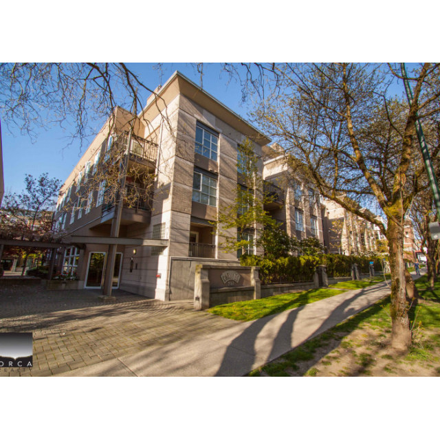 Vancouver Condominium for rent, click for more details...