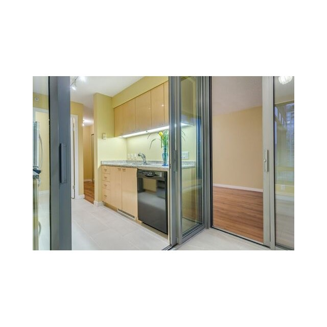 Coal Harbour Condominium for rent, click for more details...