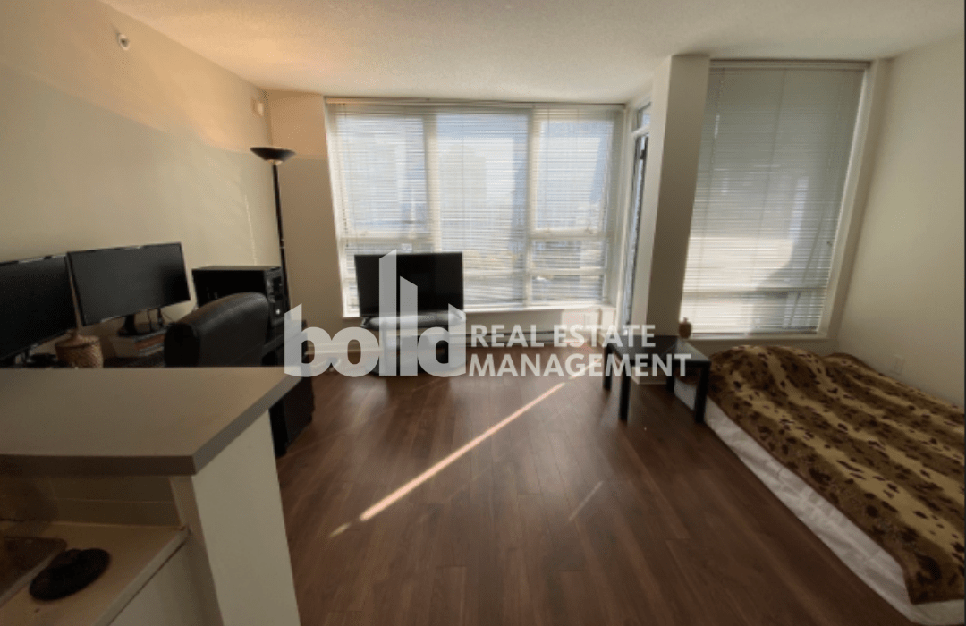 Vancouver Studio for rent, click for more details...