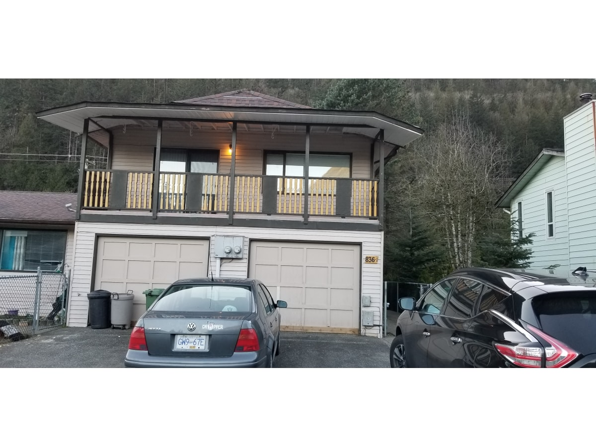 Harrison Hot Springs House for rent, click for more details...