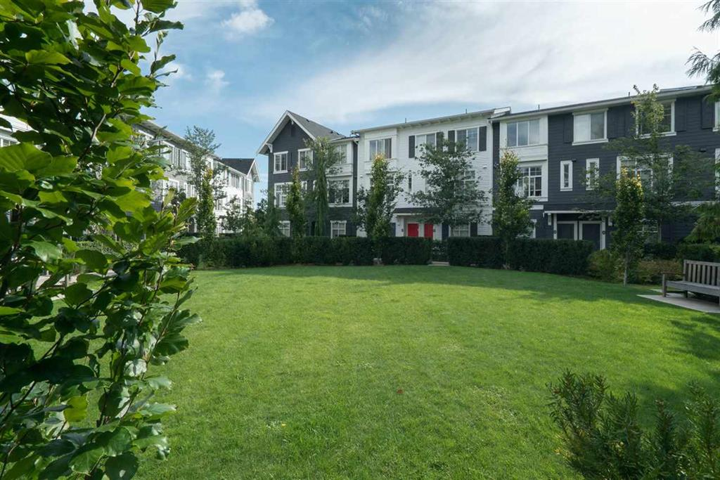 Surrey Maison urbaine pour le loyer, cliquer pour plus de détails...