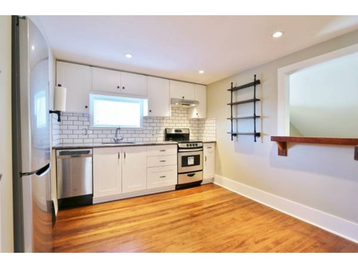 Vancouver Duplex for rent, click for more details...