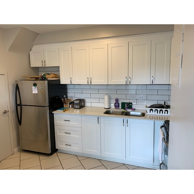 Dundas Apartment for rent, click for more details...