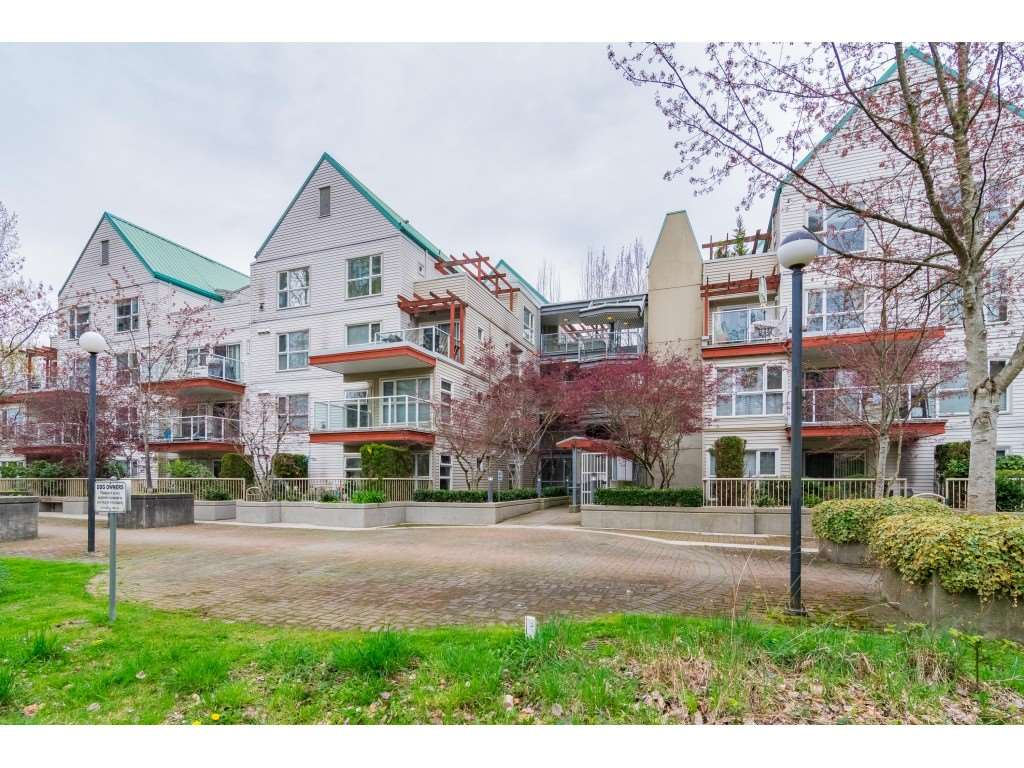Surrey Condominium for rent, click for more details...