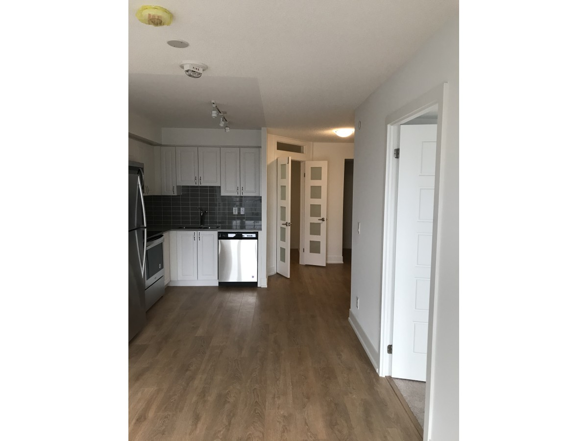 Pickering Condominium for rent, click for more details...