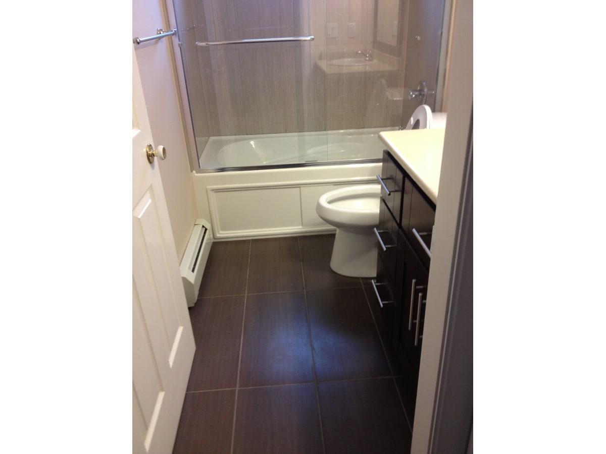 Surrey Suite for rent, click for more details...