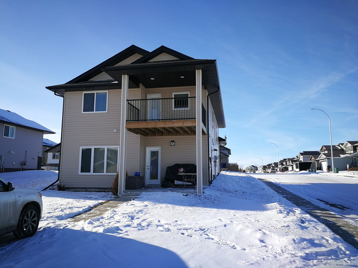 Penhold Basement Suite for rent, click for more details...