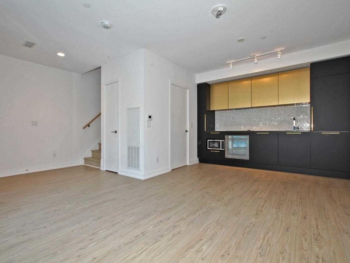 Toronto Maison urbaine pour le loyer, cliquer pour plus de détails...
