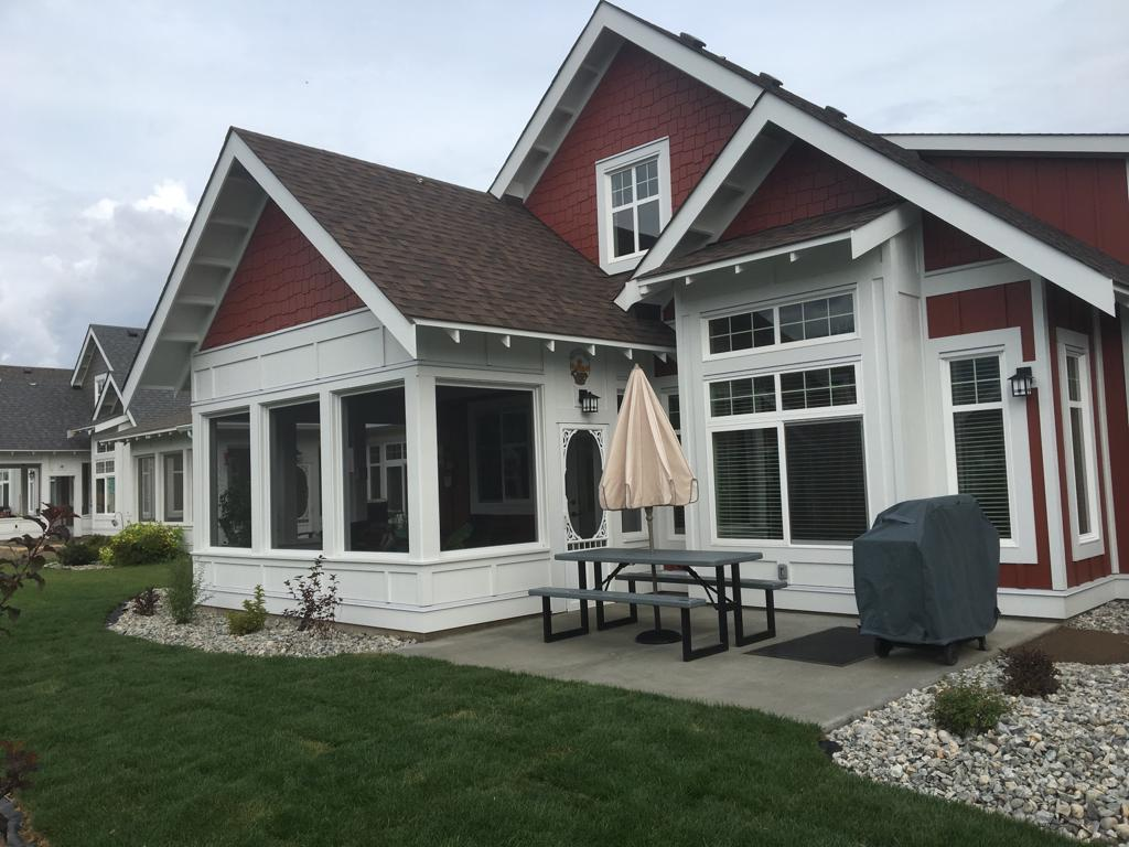 Osoyoos House for rent, click for more details...