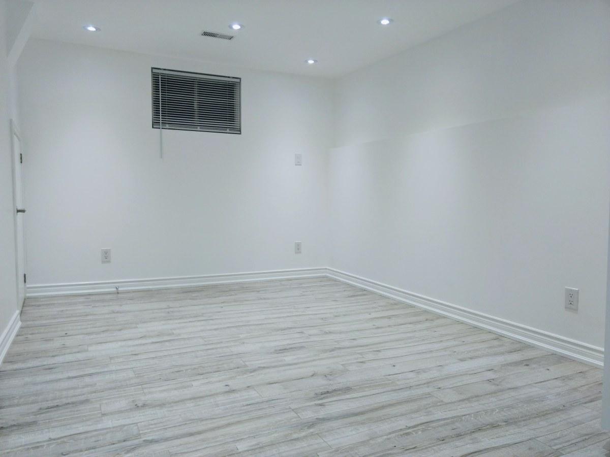 Mississauga Studio for rent, click for more details...