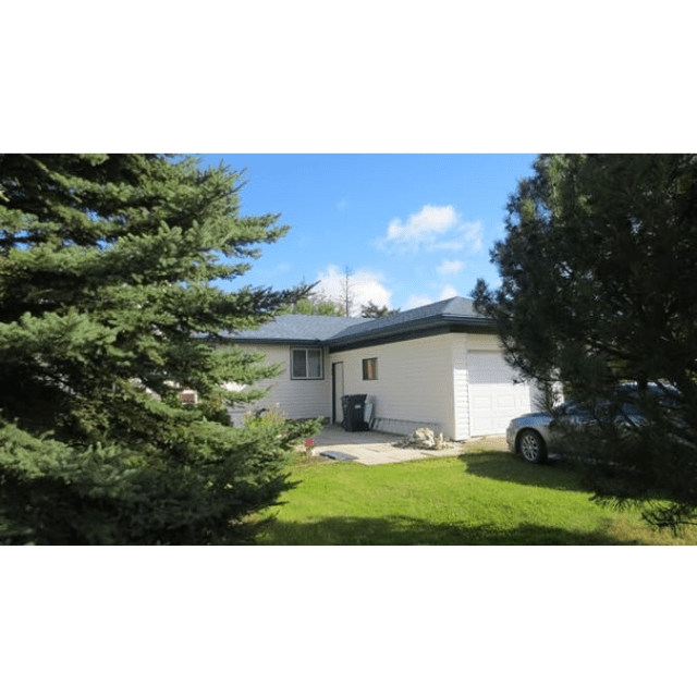 Cold Lake House for rent, click for more details...