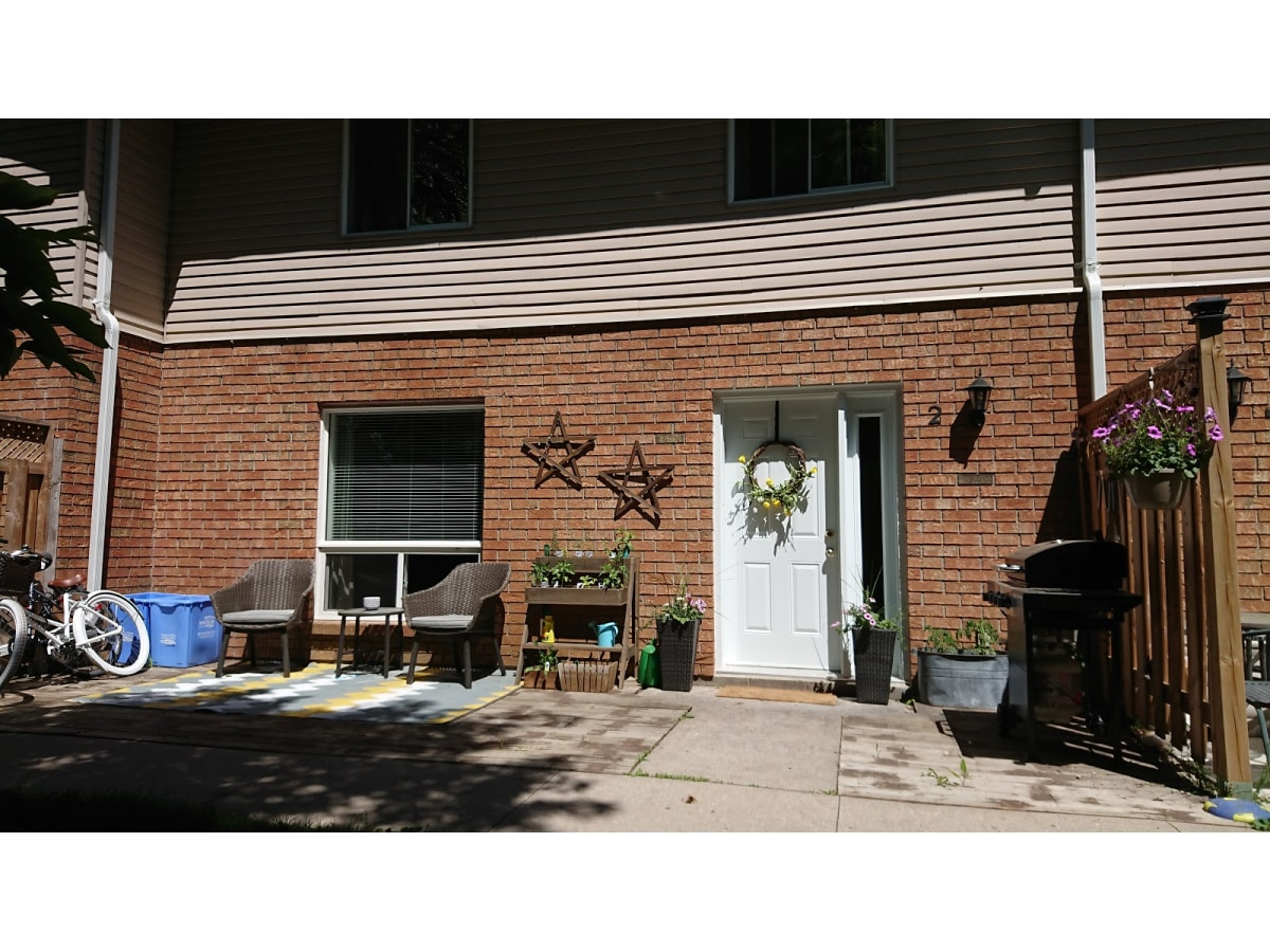 Stayner Townhouse for rent, click for more details...