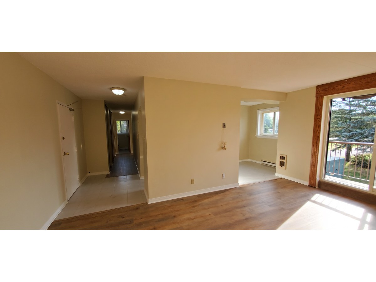 Erin Apartment for rent, click for more details...