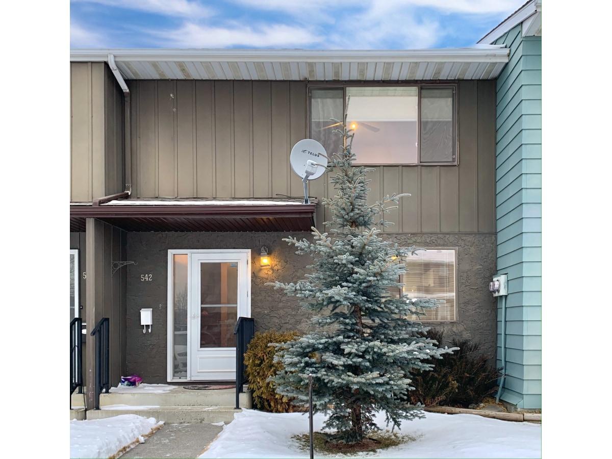 Hinton Condominium for rent, click for more details...