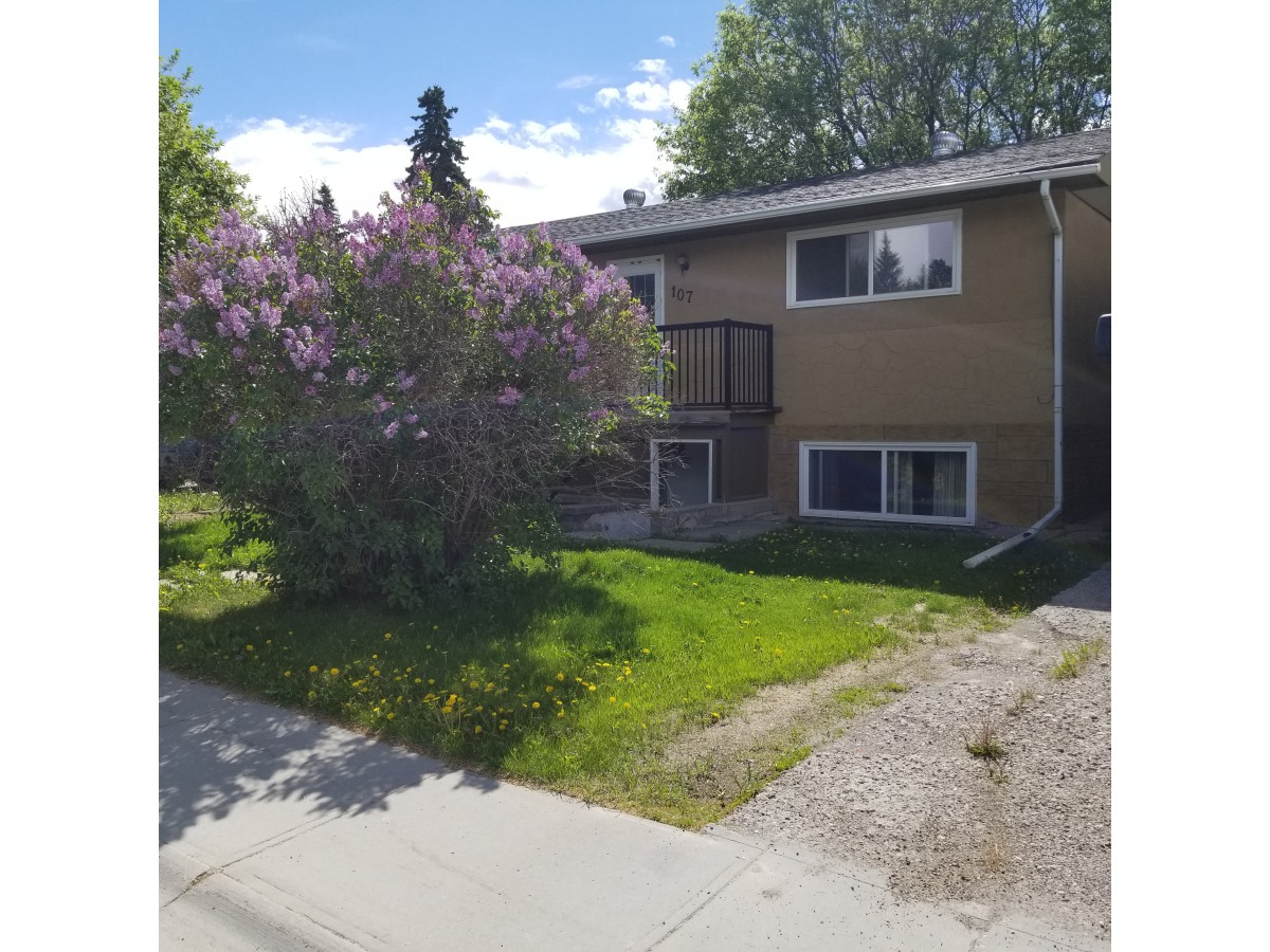 Hinton Main Floor Only for rent, click for more details...