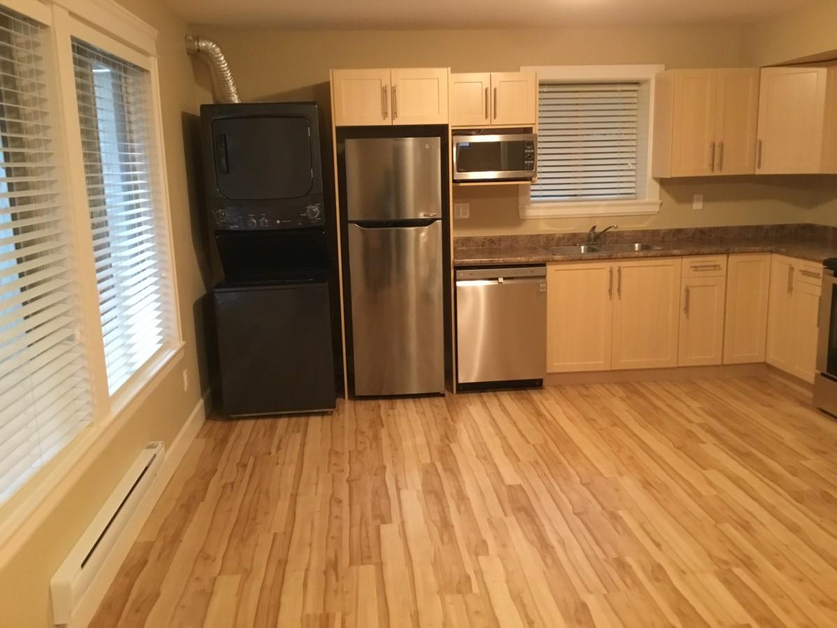 Surrey Appartement en sous-sol pour le loyer, cliquer pour plus de détails...