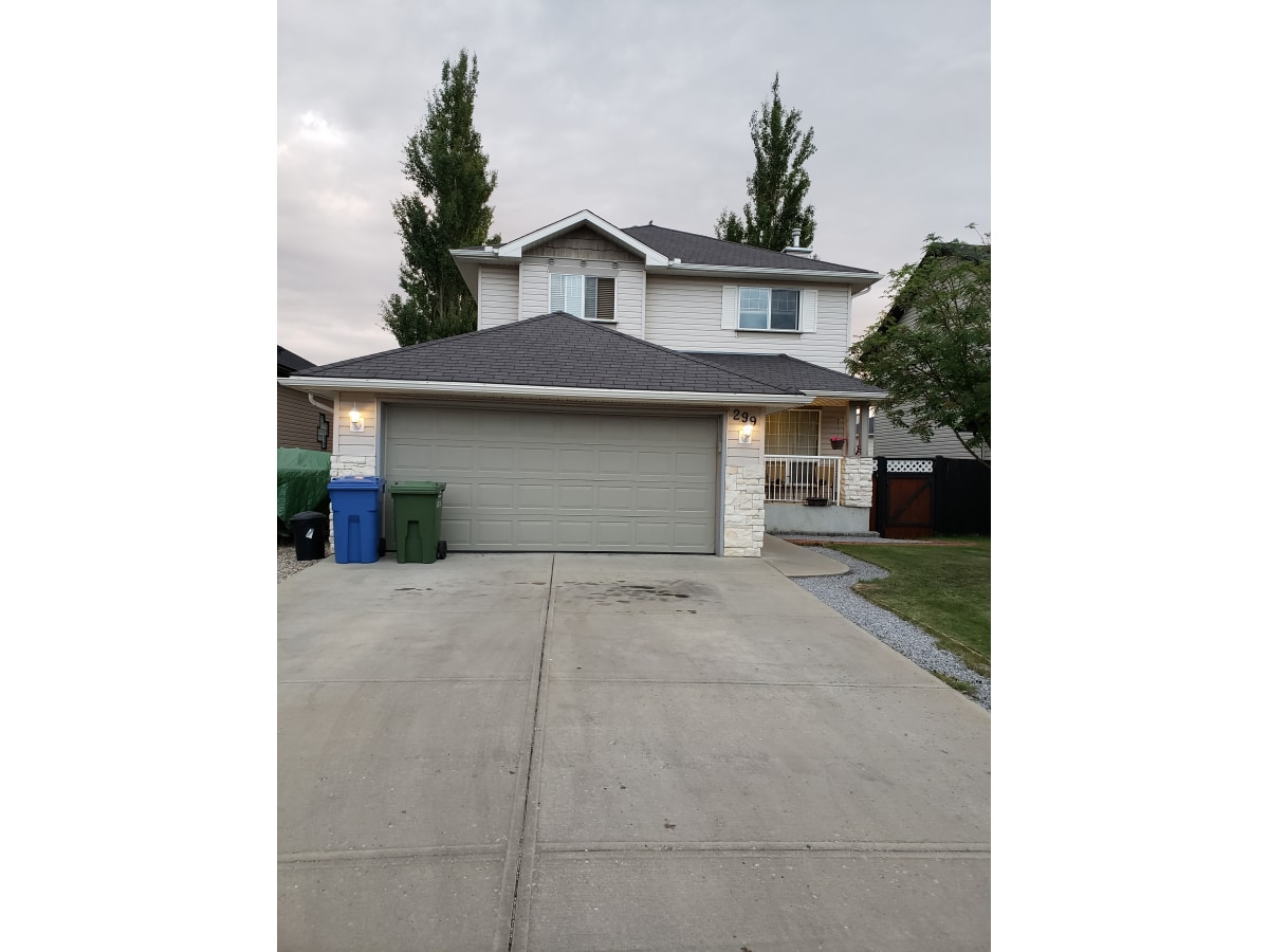 Chestermere House for rent, click for more details...